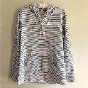 Lucy Activewear Size Medium Hoodie Sweater